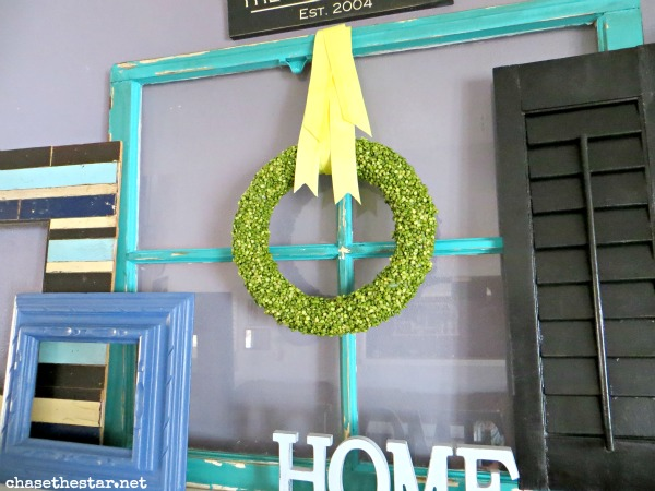 Spring Mantel via Chasethestar.net #repurpose #mantel #Spring #DIY #wreath #splitpea
