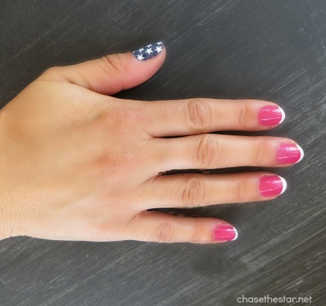 4th of July Manicure via Chasethestar.net #4thofjuly #manicure #redwhiteblue #patriotic #nails #stars