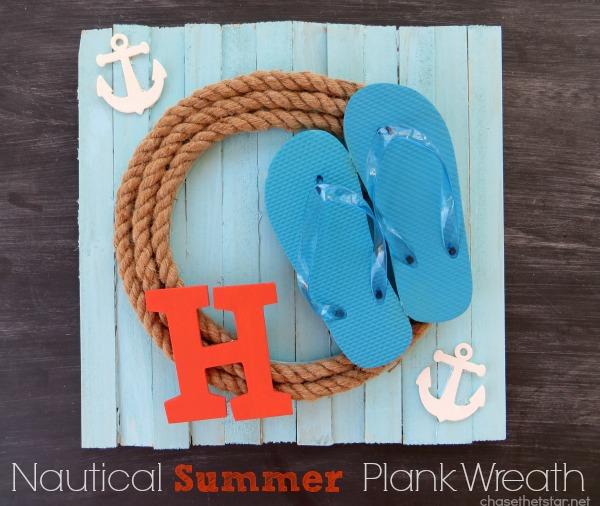 Summer Wreath via hellolifeonline.com #wreath #summer #diy #craft #nautical #rope #flipflops