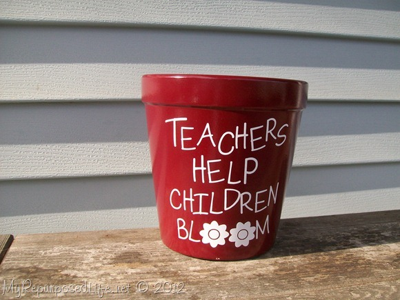 Teachers-Help-Children-Bloom-123