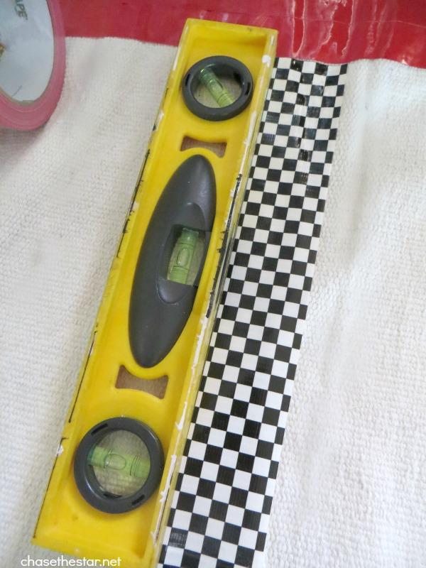 Duct Tape Rug via hellolifeonline.com #ducttape #duckbrand #rug #DIY #kidsroom 6