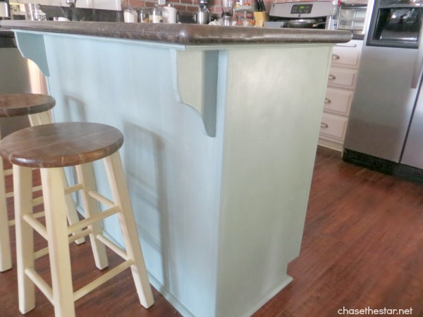 Annie Sloan Chalk Paint in Cream via Chase the Star {Stool Makeover} #KitchenIsland
