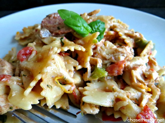 Yummy! Chicken with Turkey Sausage Pasta In a Creamy Tomato Basil Sauce via Chase the Star #recipe #pasta #italian