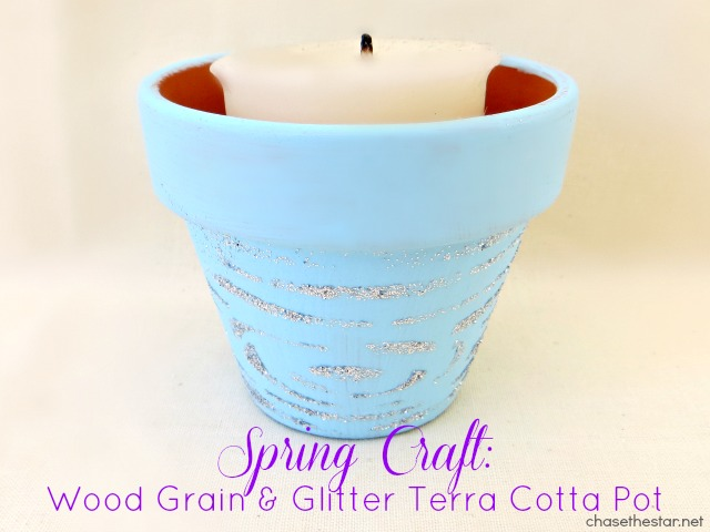 Spring Craft Wood Grain and Glitter Terra Cotta Pot via #Chasethestar