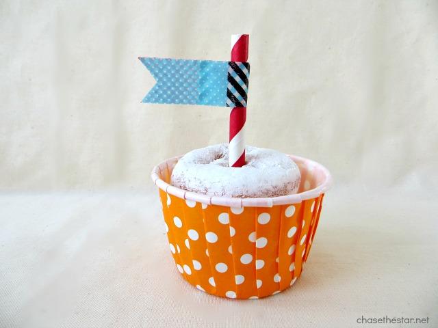 Birthday Treats for School via Chase the Star #chasethestar #classroom #minidonuts #DIYtreats