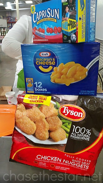 Tyson Chicken Nuggets, KRAFT Macaroni and Cheese and Capri Sun Demo at Sam's Club! #ad #hungerHeroes #collectiveBias