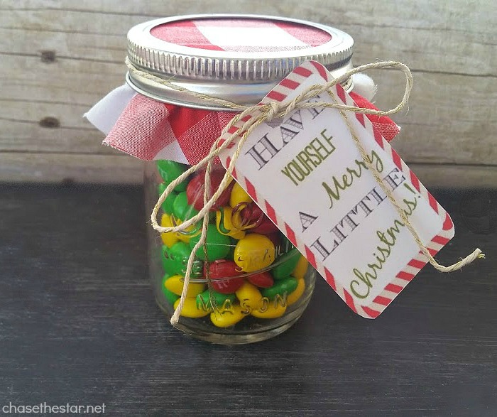 Mason Jar Gift! Give a money gift in a fun creative way with this cute craft!