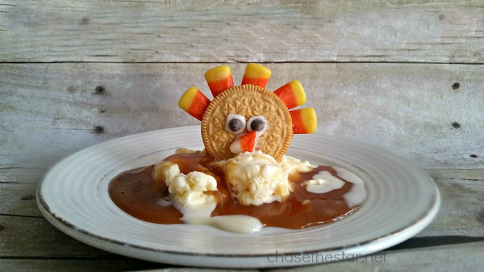 The perfect treat for kids this Thanksgiving, #CandyCorn Turkey Treats! via Chase the Star