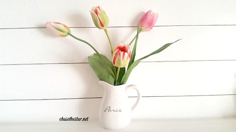 Simple Spring Tulip arrangement #SrpingtimeInParis #MichalesMakers