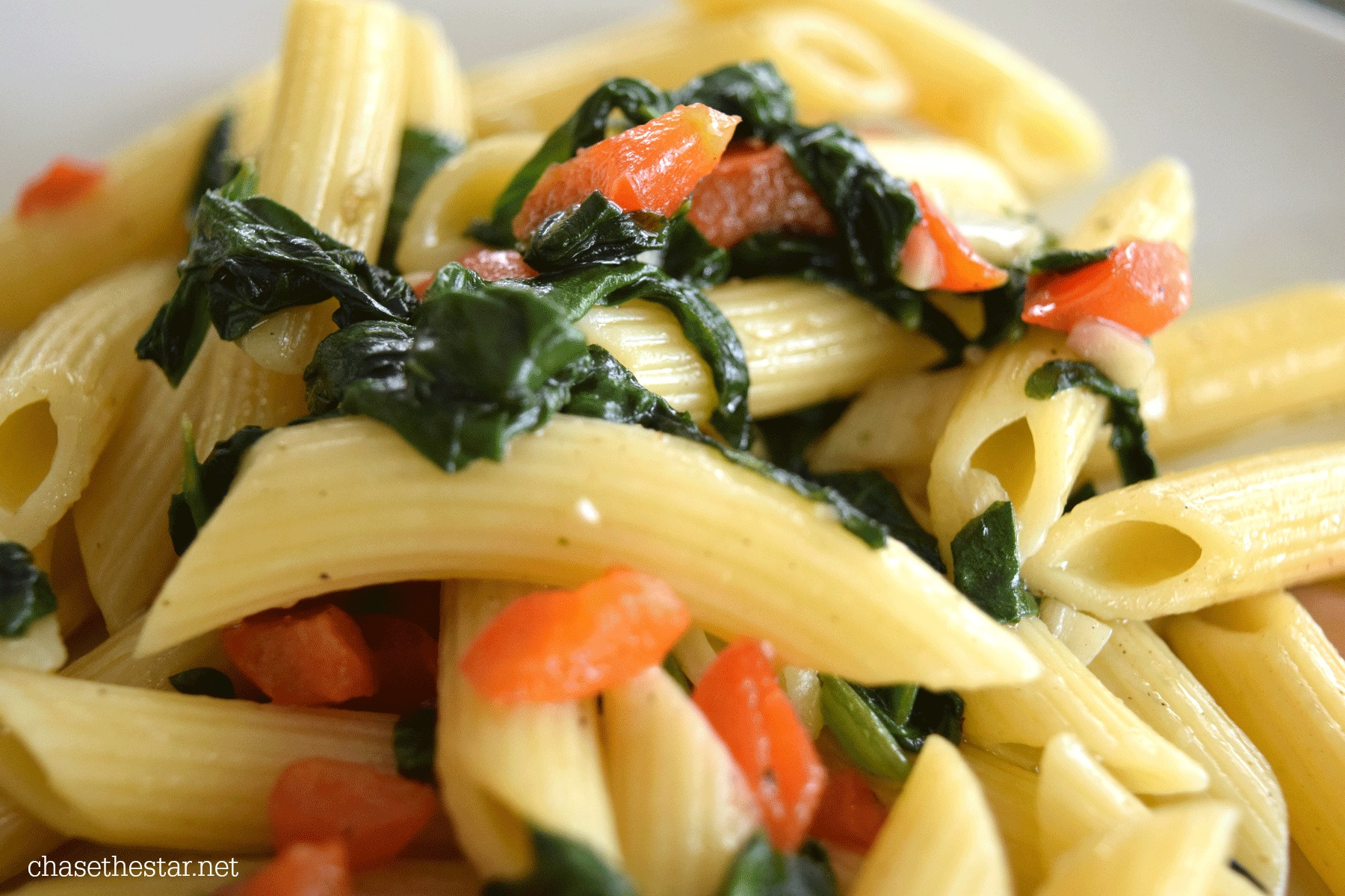 Mmmm! Roasted Garlic and Spinach with Penne via Chasethestar.net Barilla® #recipe