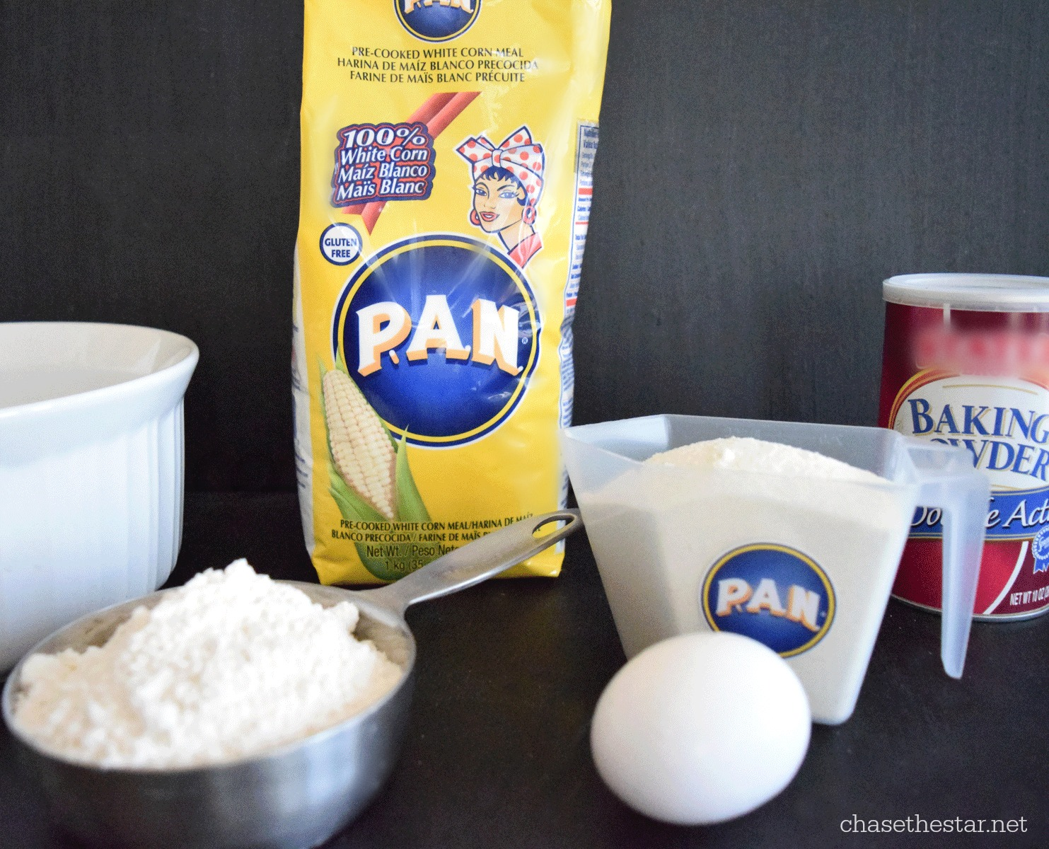 P.A.N. Corn Meal for Honey Butter Cornbread #recipe #PanFan #IC #ad