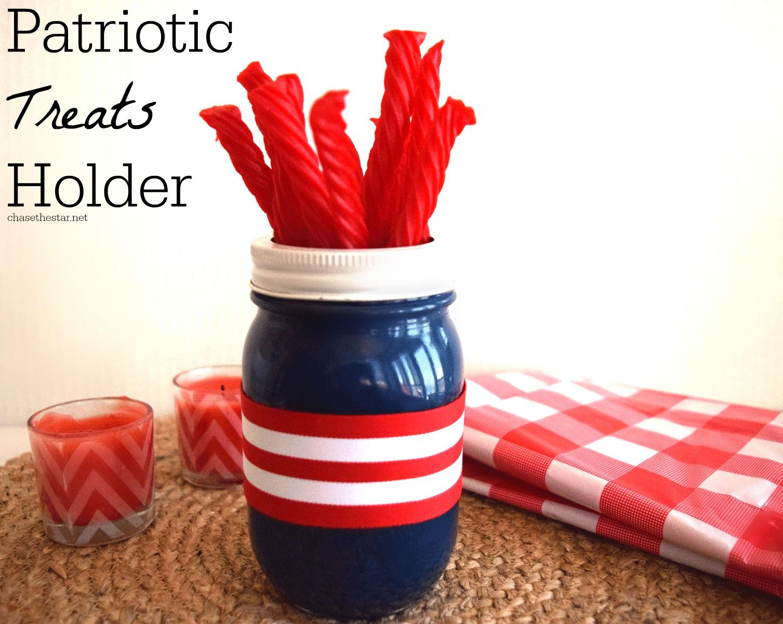 Patriotic-Treat-Holder via Chasethestar.net #4thofjuly #kidscraft