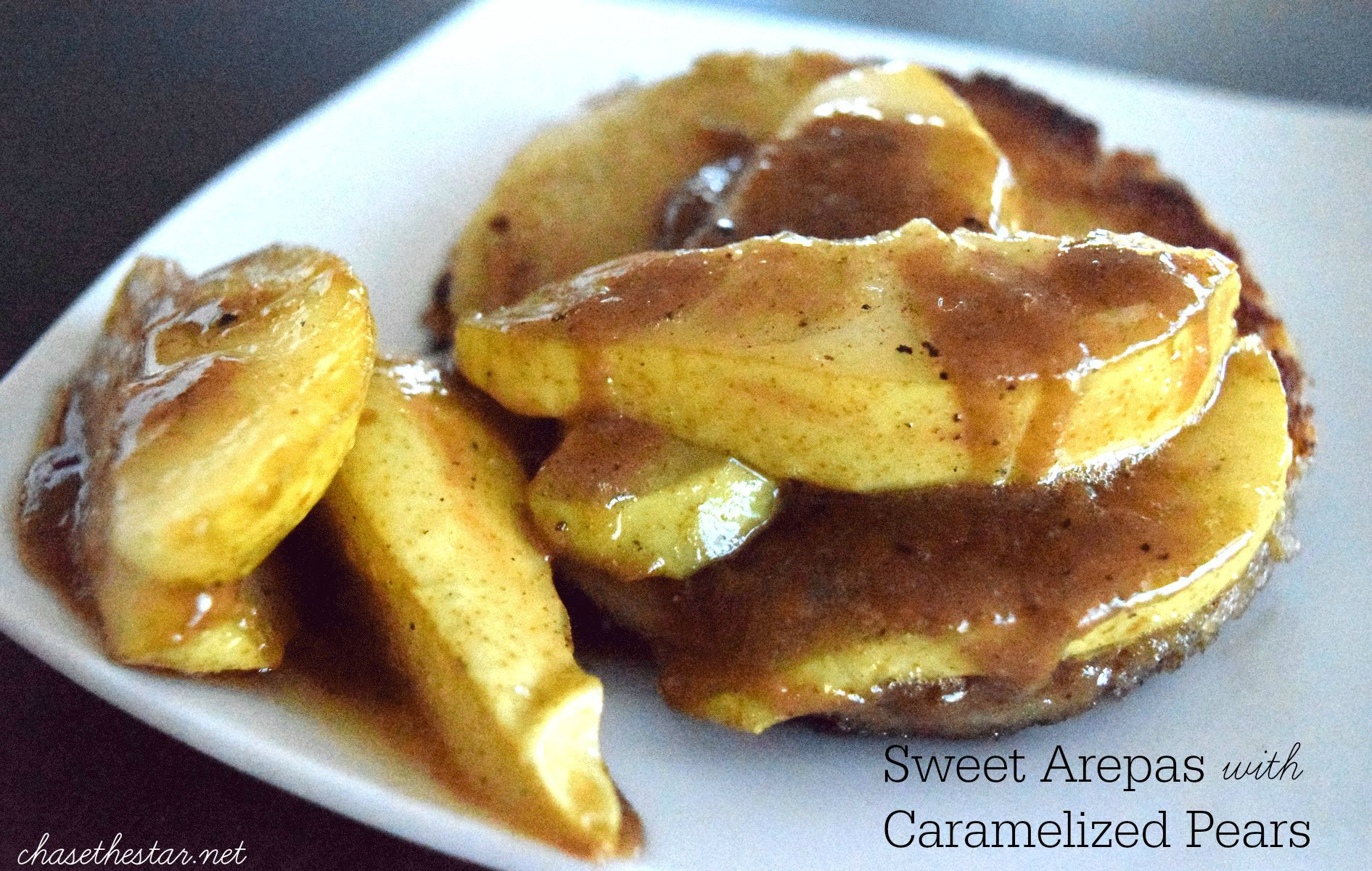 Delicious Sweet Arepas with Caramelized Pears #Recipe #IC #PANfan #ad top