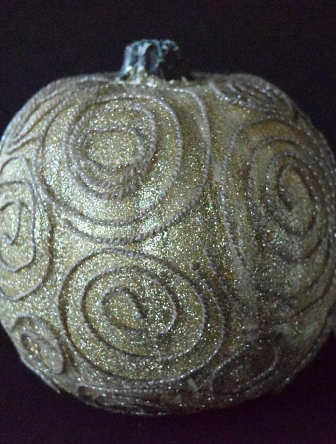 Glitter Swirl Pumpkin #michaelsmakers