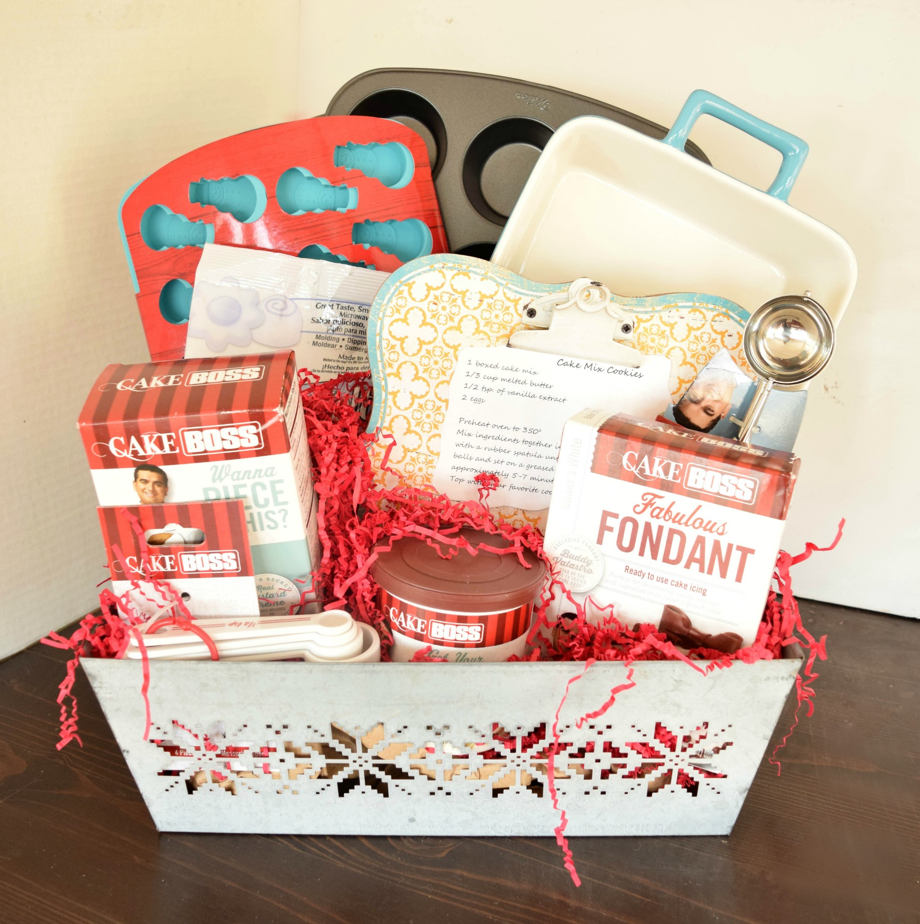 Gift Basket for the Baker in your life! #MichaelsMakers