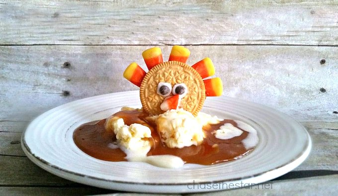 The-perfect-treat-for-kids-this-Thanksgiving-CandyCorn-Turkey-Treats