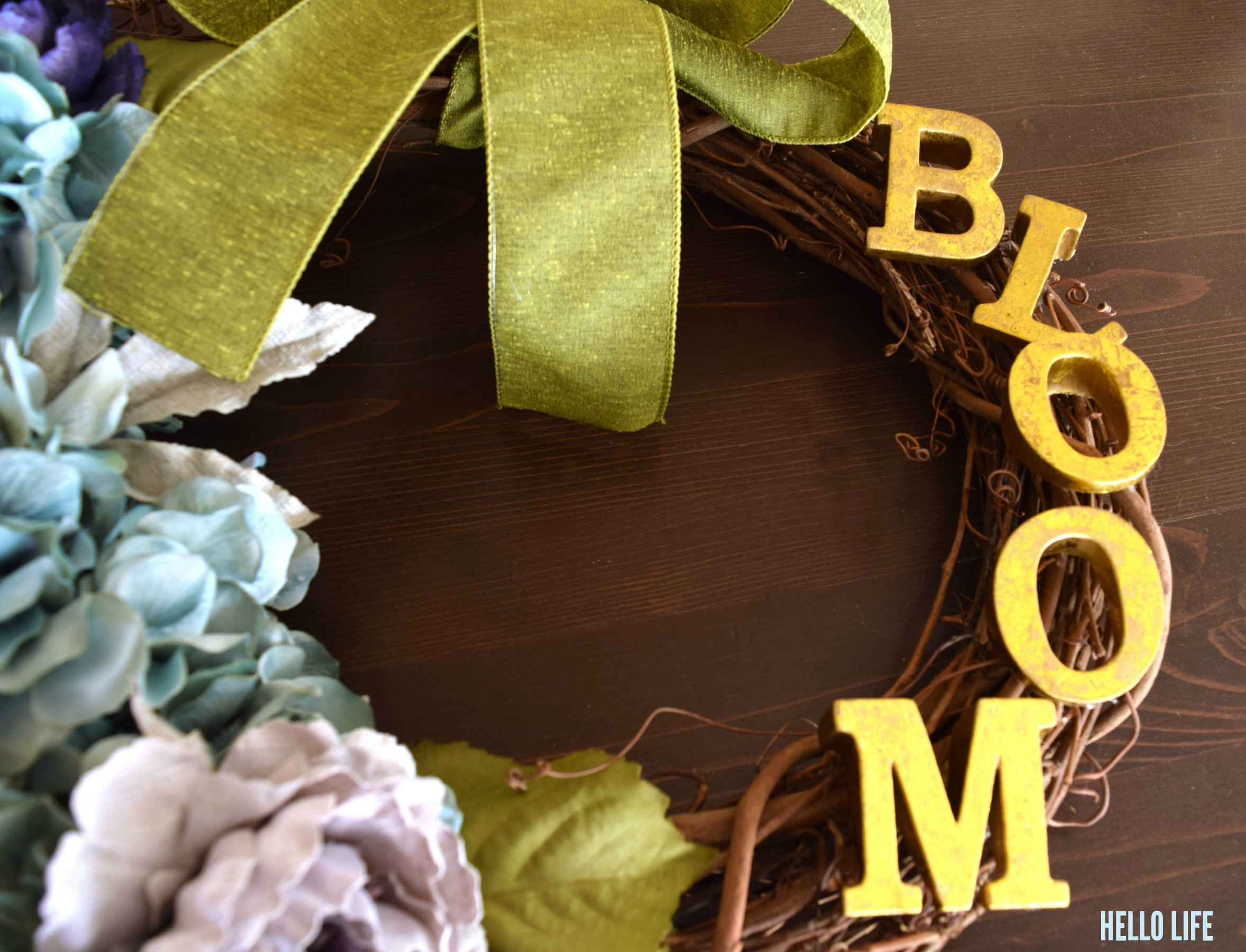 Gilded Gold Letters from @michaelsstores spell out the word bloom #michaelsmakers |Hello Life hellolifeonline.com