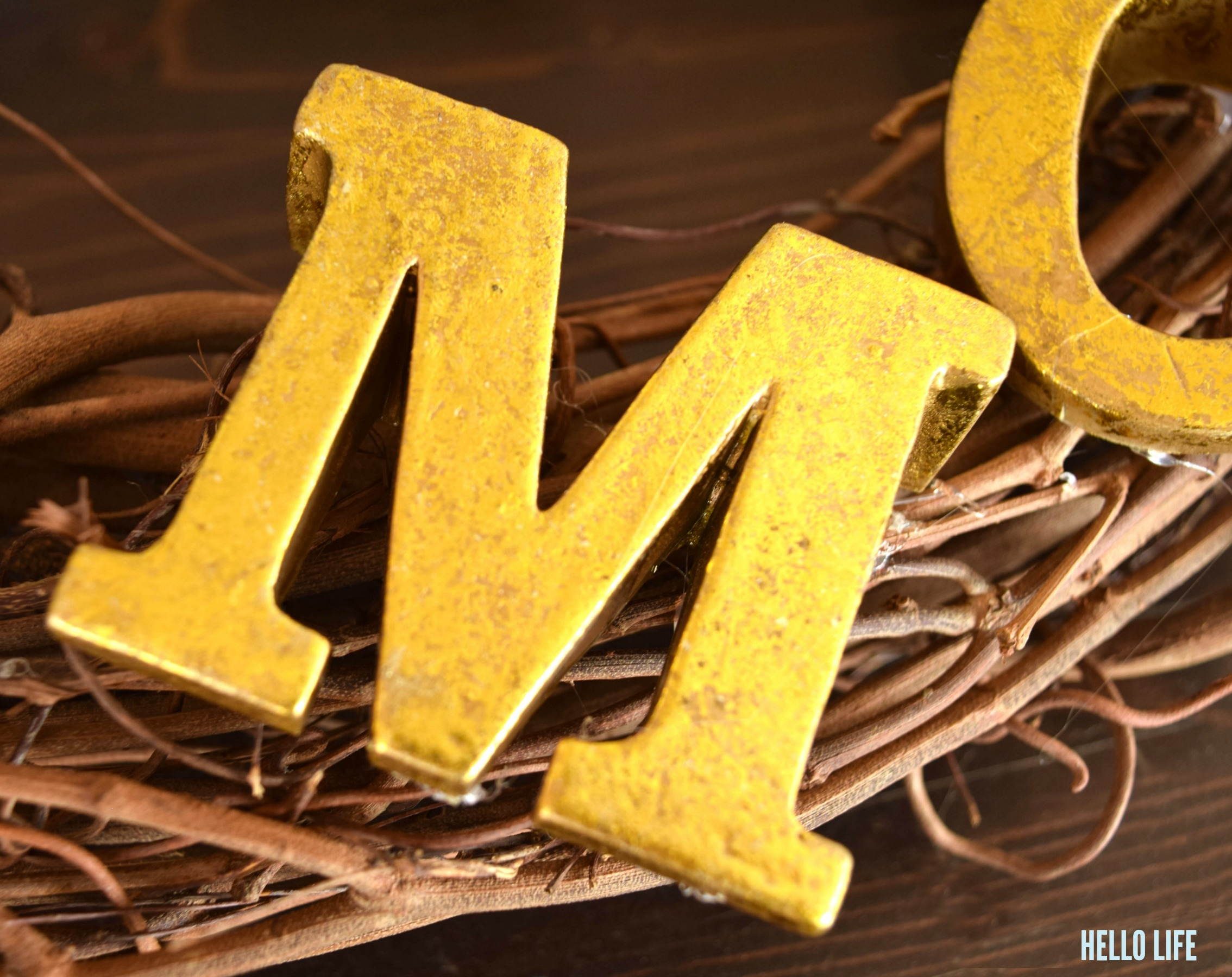 Gilded Gold Letters from @michaelsstores #michaelsmakers |Hello Life hellolifeonline.com