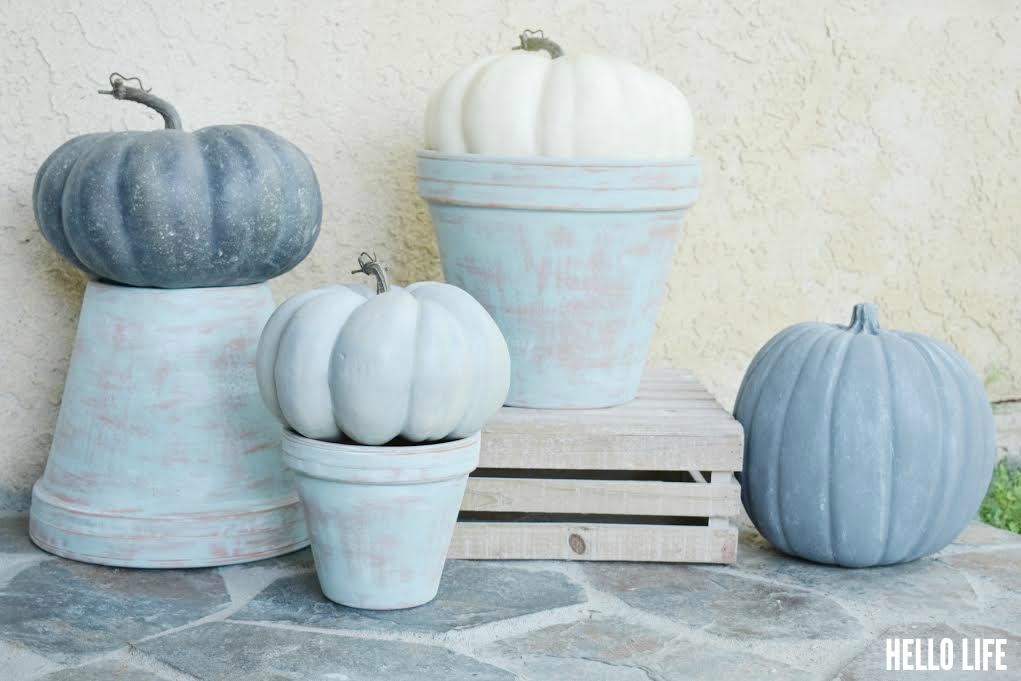 Aged Terra Cotta Pots #MichaelsMakers #pumpkins